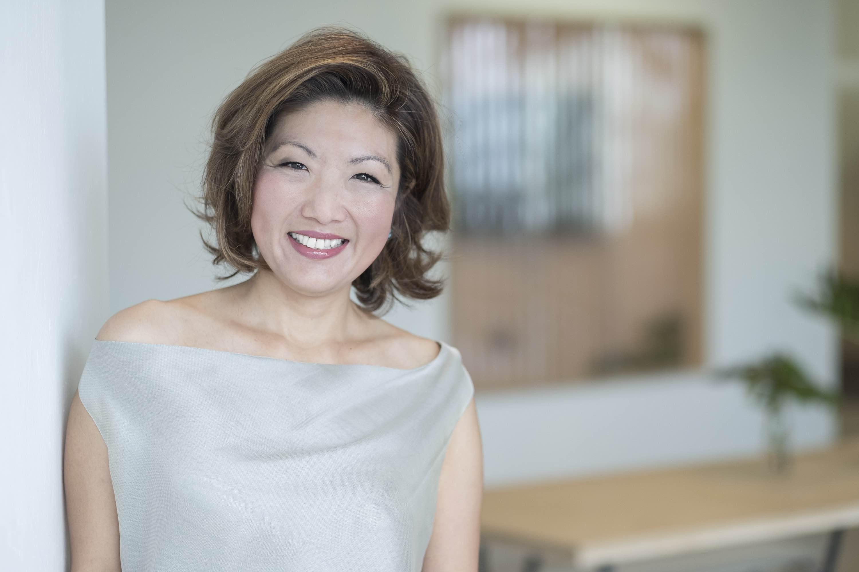 Headshot Corporate Photographer Singapore Jose Jeuland Portrait Photography studio Asia woman 6
