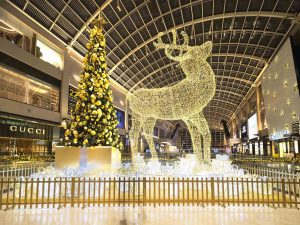Marina Bay Sands Interior Photography By Jose Jeuland Christmas Tree and Reindeer side by side