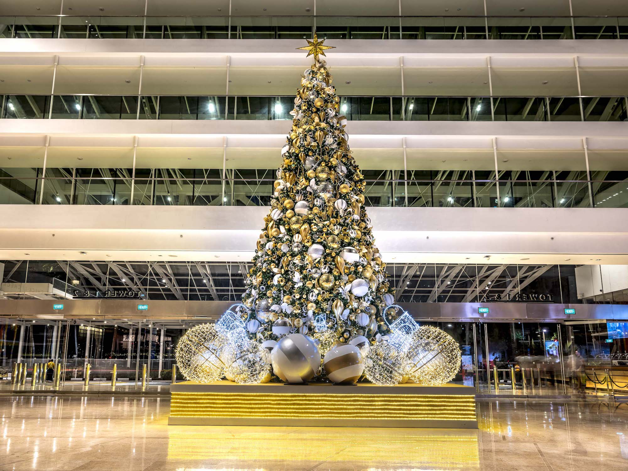 Marina Bay Sands Interior Photography by Jose Jeuland Christmas Tree at Marina Hotel lobby
