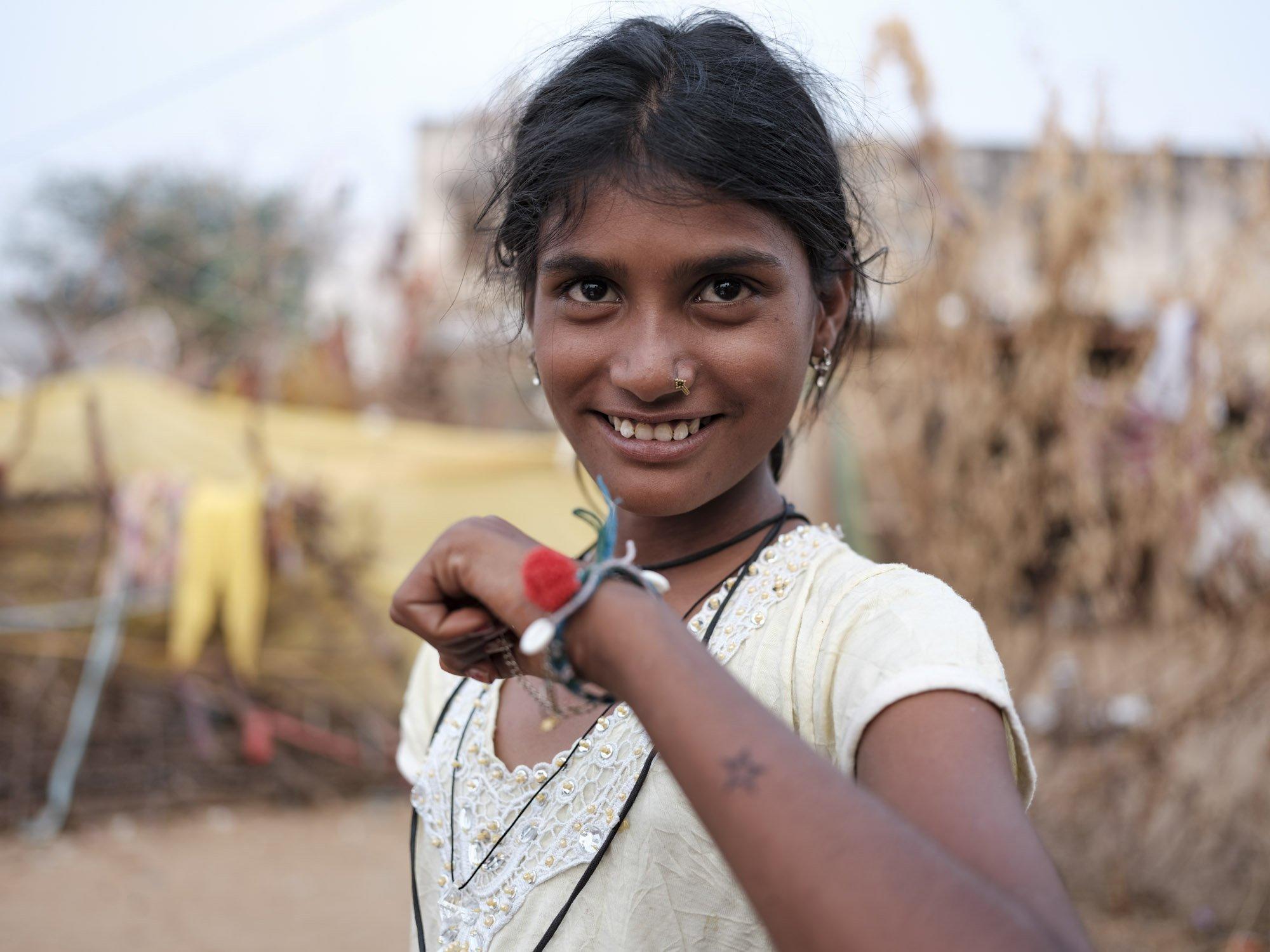 tatto teenager Gypsy Kalbelia tribe nomad Rajasthan India Documentary Photography Jose Jeuland Photographer print fine art
