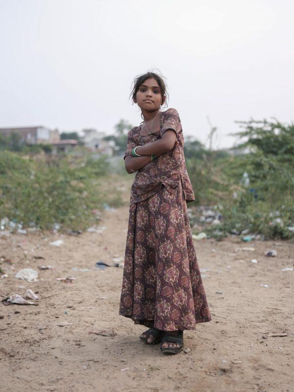 kid girl Gypsy Kalbelia tribe nomad Rajasthan India Documentary Photography Jose Jeuland Photographer print fine art