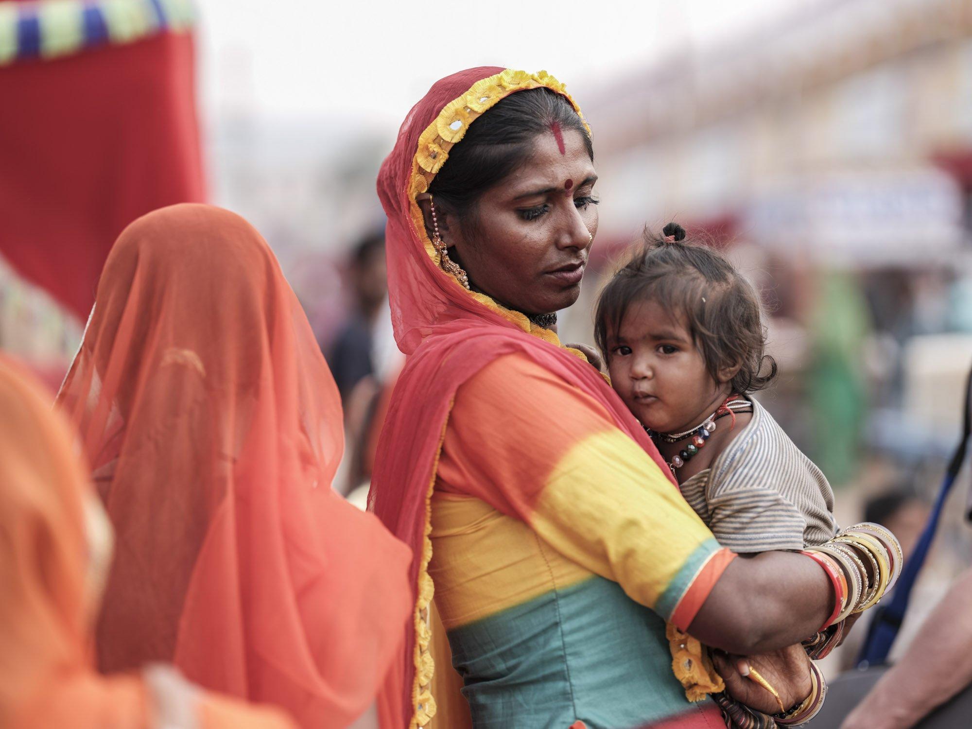 mom and baby Gypsy Kalbelia tribe nomad Rajasthan India Documentary Photography Jose Jeuland Photographer print fine art