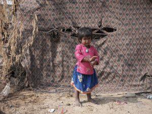 small kid outdoor Gypsy Kalbelia tribe nomad Rajasthan India Documentary Photography Jose Jeuland Photographer print fine art