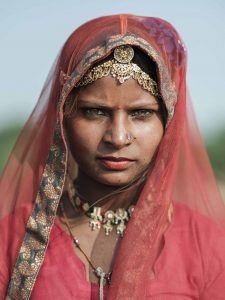 woman Pushkar camel fair india gypsy jose jeuland photographer fujifilm gfx 50r medium format